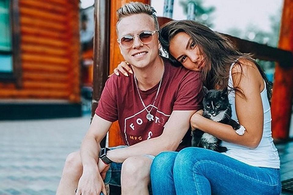 Данил Буранов со своей девушкой