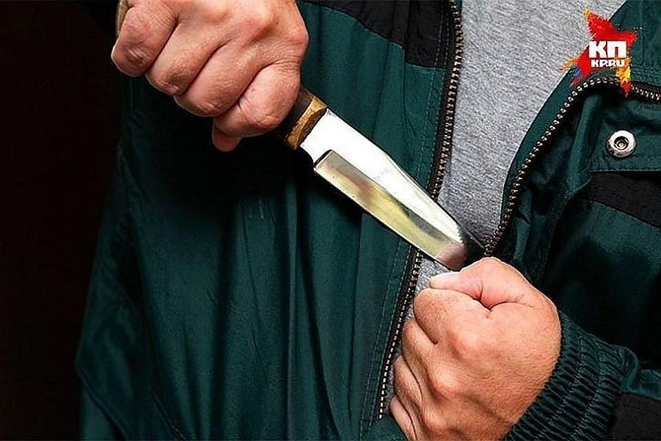 """Обвиняемый в убийстве вложил нож в руку своей жертвы. Фото: архив """"КП"""""""