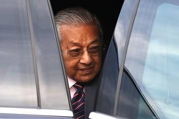 Премьер Малайзии хочет создать нейтральный орган для расследования катастрофы МН17