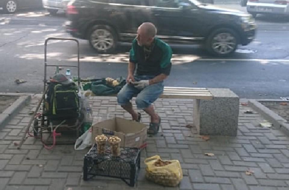 Ядра, которые нас убивают: Очищенные грецкие орехи на улицах Кишинева - это в лучшем случае – гепатит или дизентерия, в худшем – разрушение печени и почек