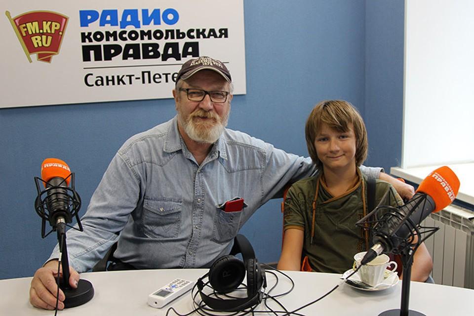 Василий Бычков пришел к нам в гости с сыном Добрыней.
