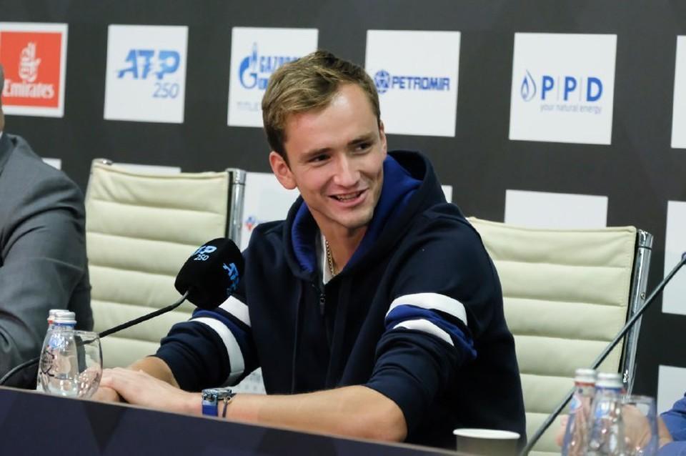 В 1/8 турнира Медведева ждет дерби с россиянином Евгением Донским.