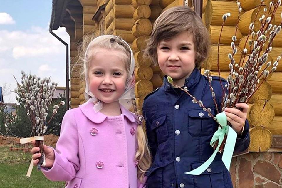 Двойняшки Лиза и Гарри отпраздновали день рождения.