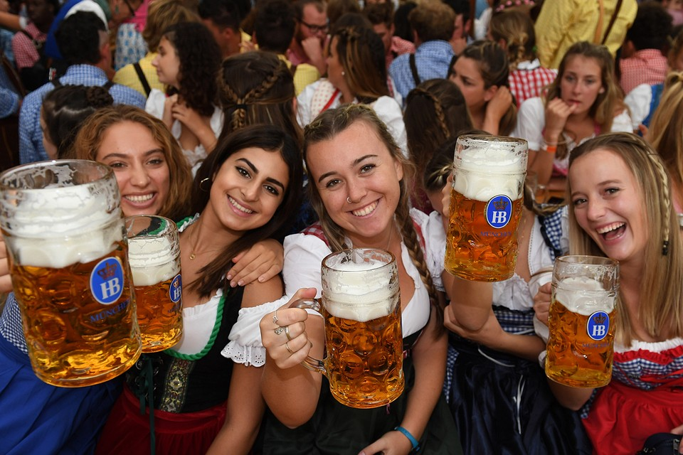 Главное украшение фестиваля, конечно же, девушки