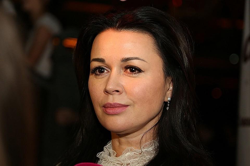 В настоящее время о состоянии Анастасии Заворотнюк ходит много слухов