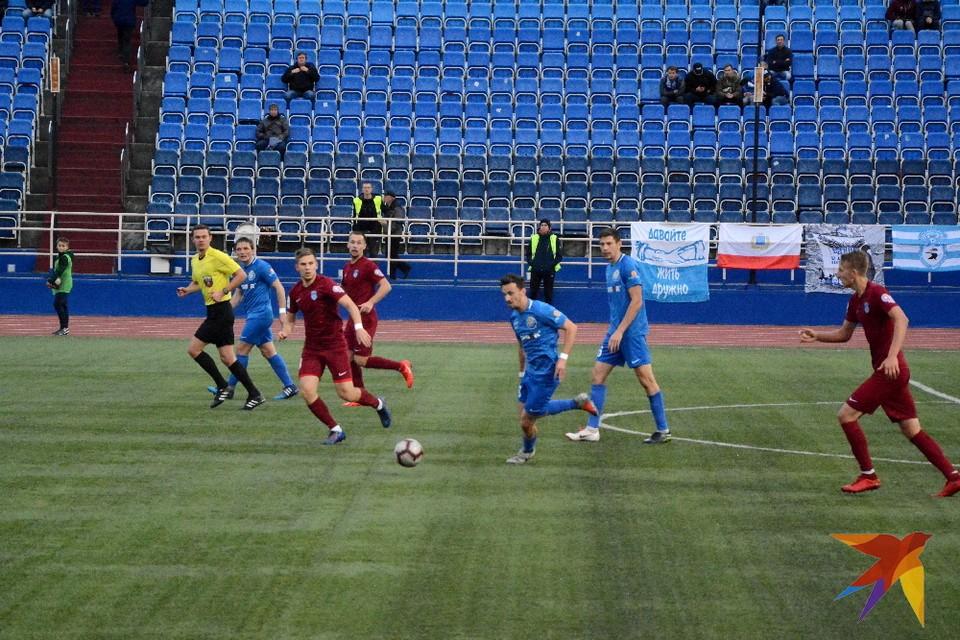 Саратовские футболисты пресекли практически все контратаки рязанцев.