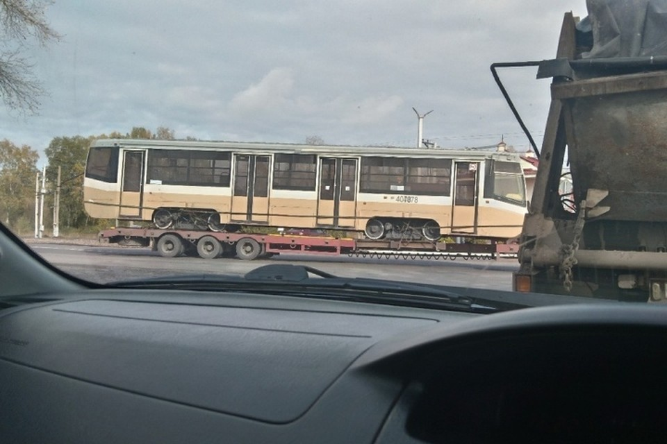 """Подержанные московские трамваи приехали в Кемерово.ФОТО: vk.com, """"Регион 42"""""""