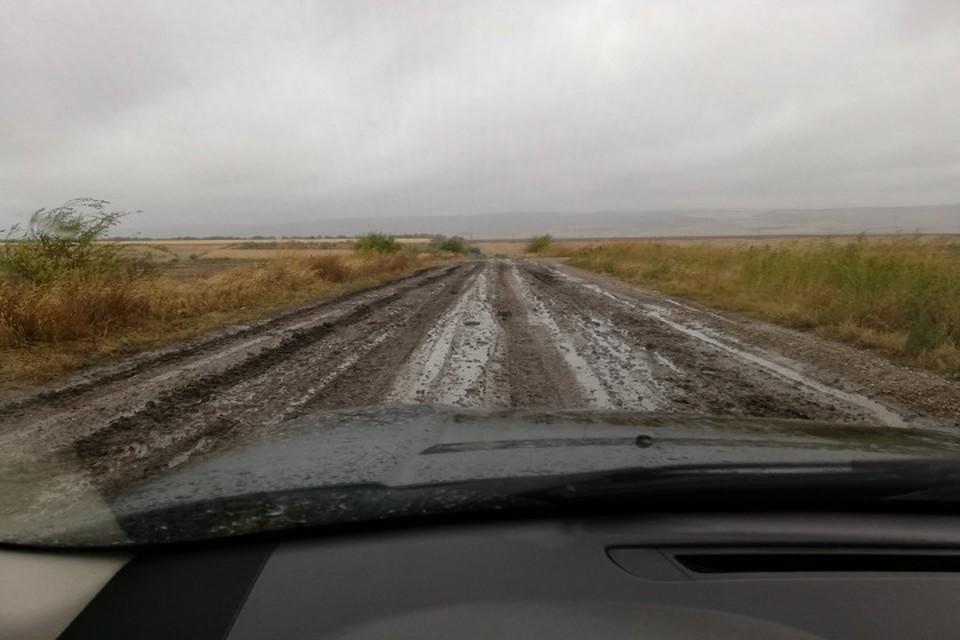По этой дороге проехать невозможно (Фото: Денис Дерменжи).