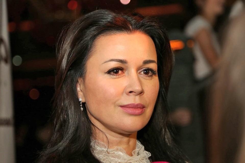 Теперь поклонники Анастасии Заворотнюк будут узнавать новости о состоянии ее здоровья от родных актрисы.