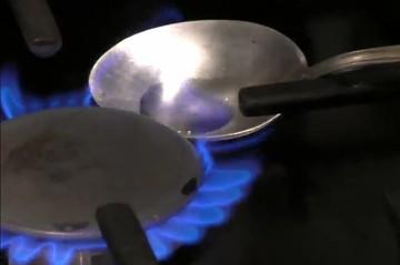 Феномен Рязани: в квартире из водопроводного крана течет горючая жидкость