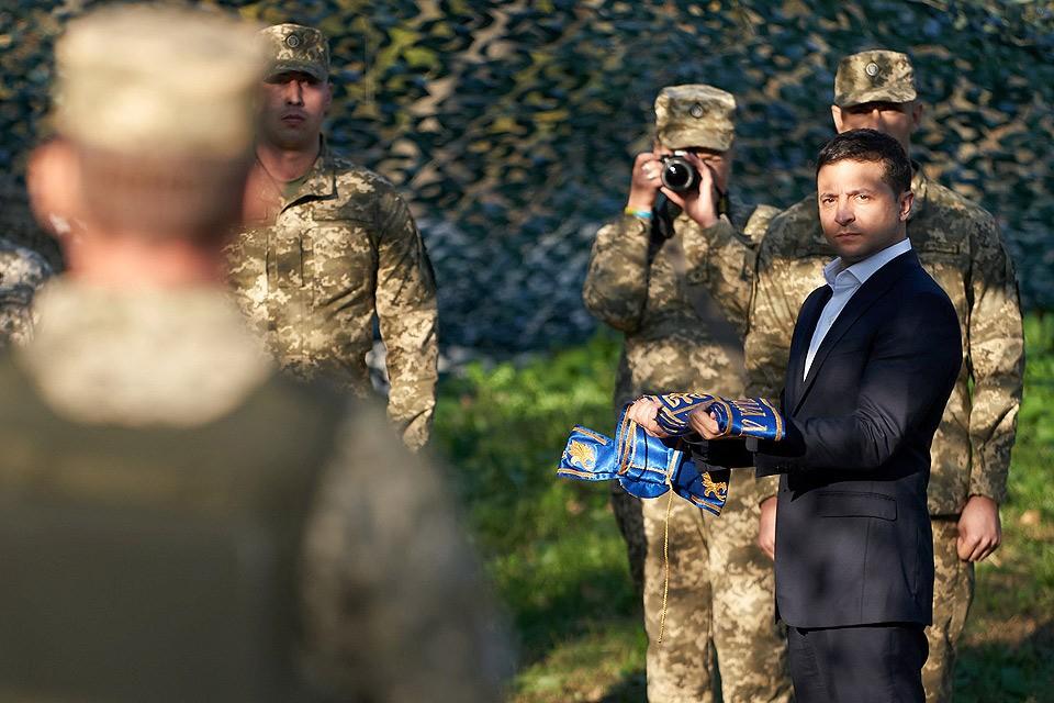Президент Украины Зеленский на позициях ВСУ на Донбассе.