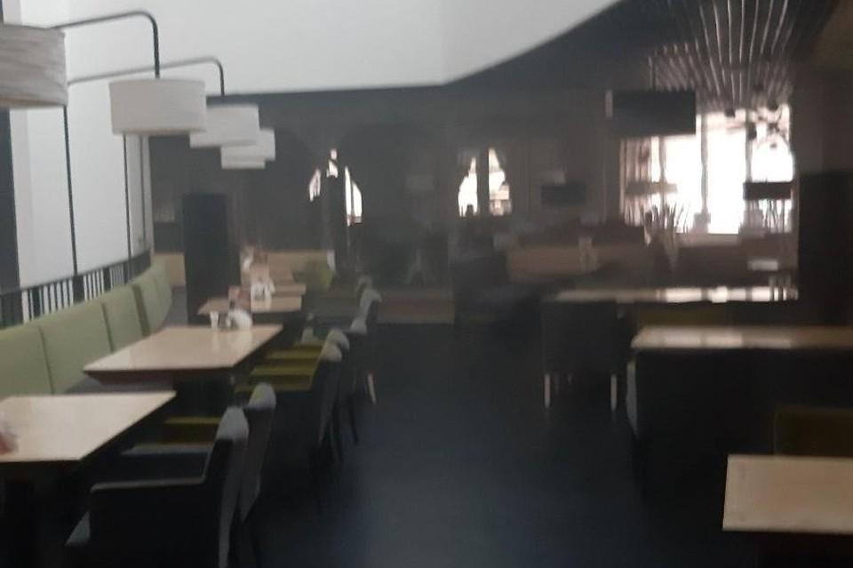 В пиццерии загорелась бытовая техника. Фото: МЧС