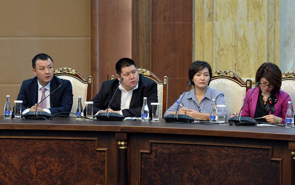 В госрезиденции «Ала-Арча» проходит встреча президента с руководителями СМИ.