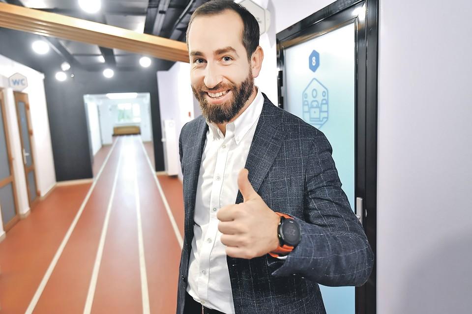 Предприниматель Алексей Маслов с помощью специалистов центра «Мой бизнес» в Реутове нашел новых бизнес-партнеров и клиентов.