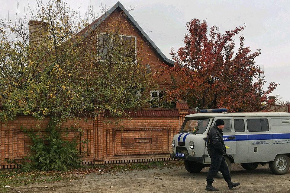 Сейчас дом Дакишвили охраняется полицией. Власти боятся кровной мести.