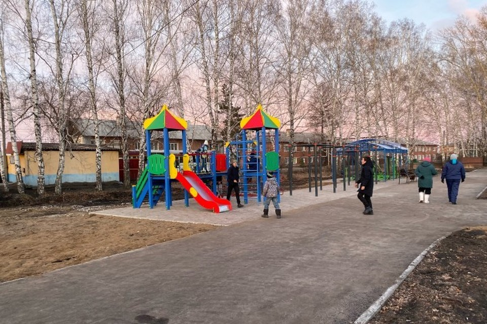 Спортплощадку за четыре миллиона рублей построили в Мариинске. ФОТО: пресс-служба АКО