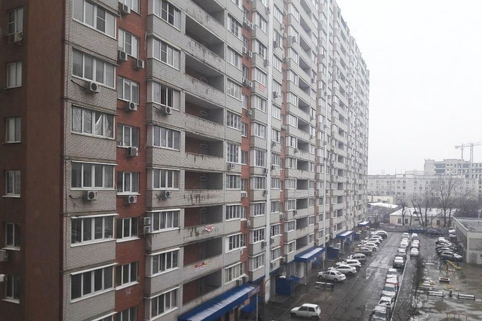 В Краснодаре на нежилые помещения 17-го этажа дома по Промышленной суд наложил арест