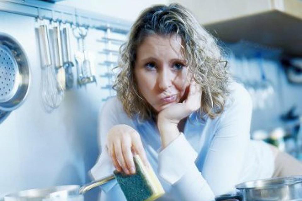 Роспотребнадзор рассказал об опасности губок для мытья посуды