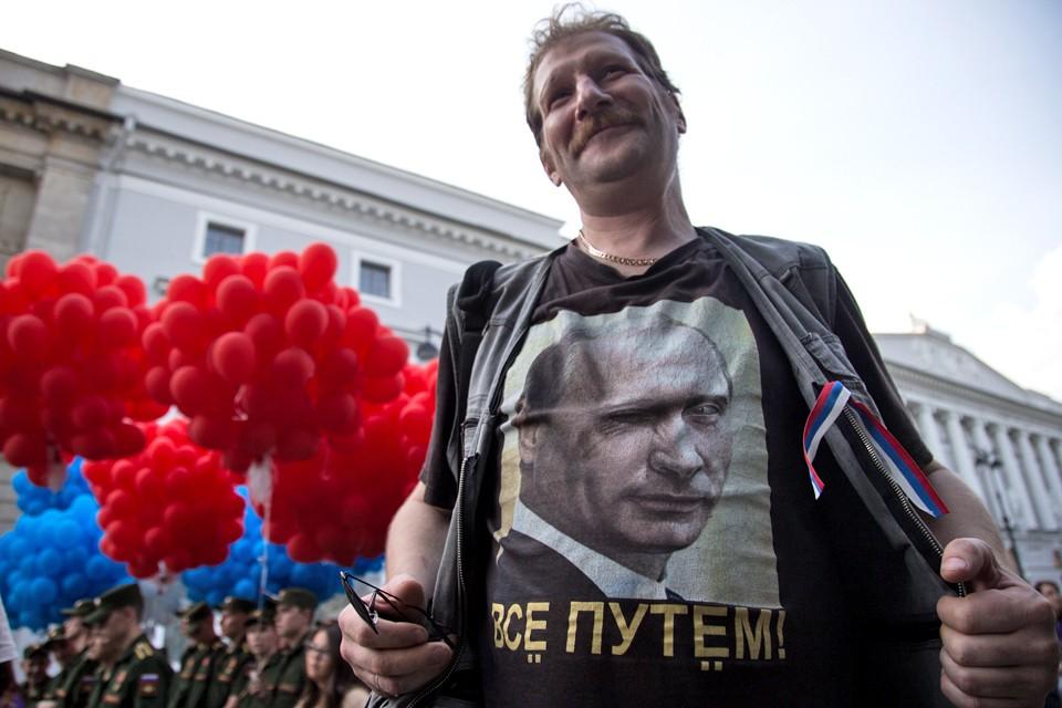 Почему Путин на Донбассе популярнее Зеленского?