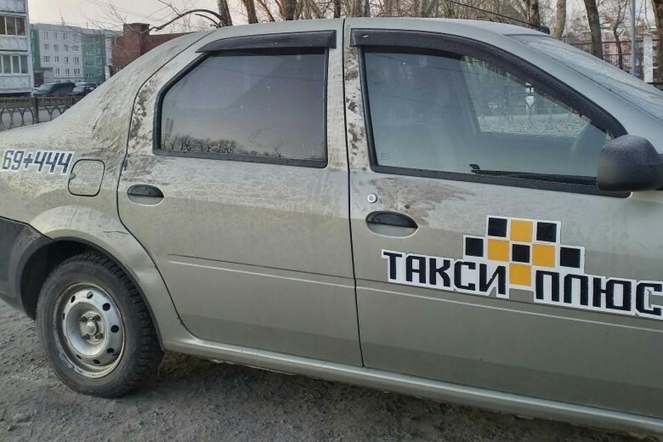 """Нападение на женщину произошло в этой машине. Фото: """"Типичный Асбест"""" во """"Вконтакте"""""""
