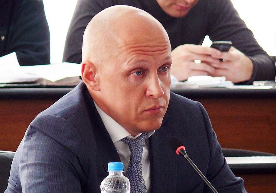 «Лежу под капельницей»: Депутат Евгений Лазарев рассказал о своей болезни, ходе судебного процесса и переименовании фирм.