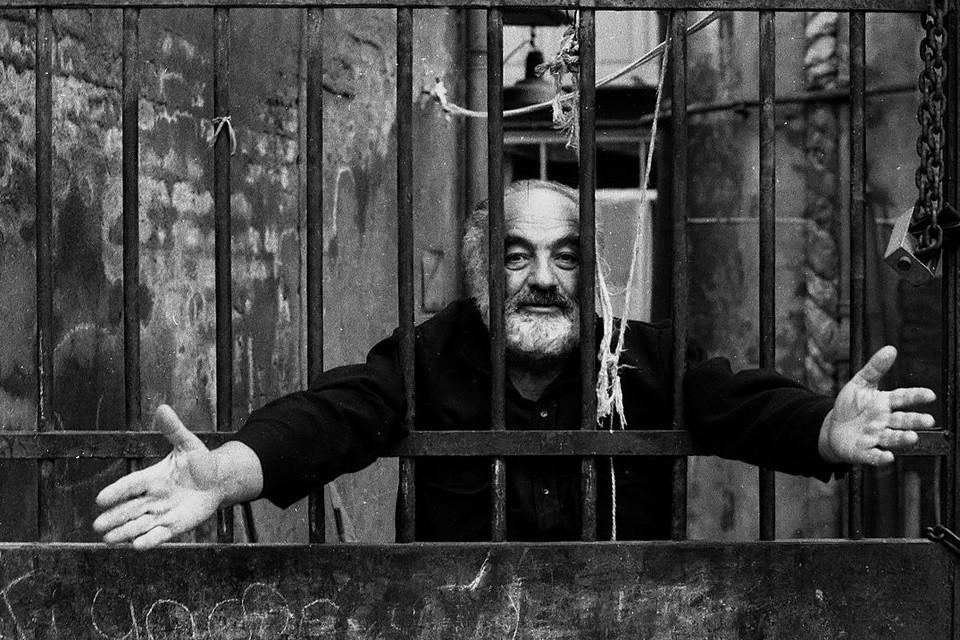 Сергей Параджанов уже снискал мировую славу, когда угодил во второй раз в тюрьму