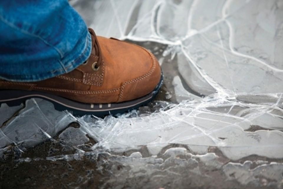 При провале под лед человек может погибнуть из-за переохлаждения через 15-20 минут. Фото ГУ МЧС по ХМАО-Югре