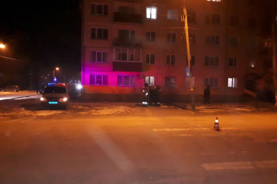 Сотрудники полиции разыскивают водителя, сбившего школьницу на пешеходном переходе в Свирске.