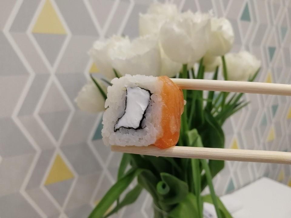 Почти 40 человек отравились суши в Красноярске.