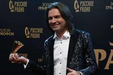 «Не чувствую себя дедом!»: 49-летний Дима Маликов впервые прокомментировал рождение внука