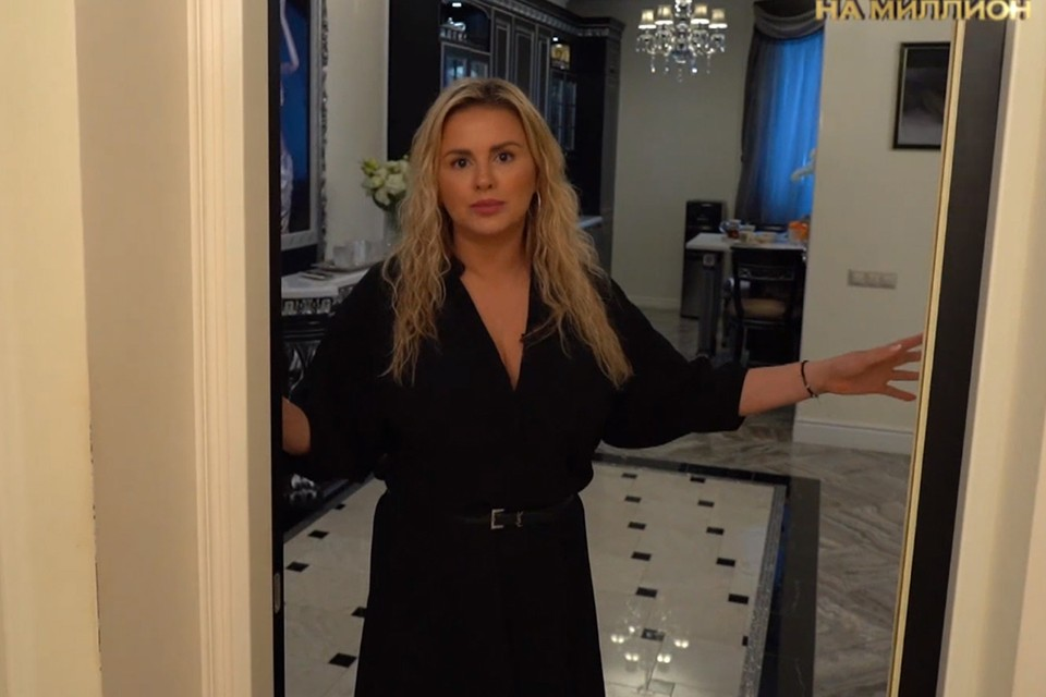 Шикарную квартиру Семенович подарил богатый любовник по имени Руслан