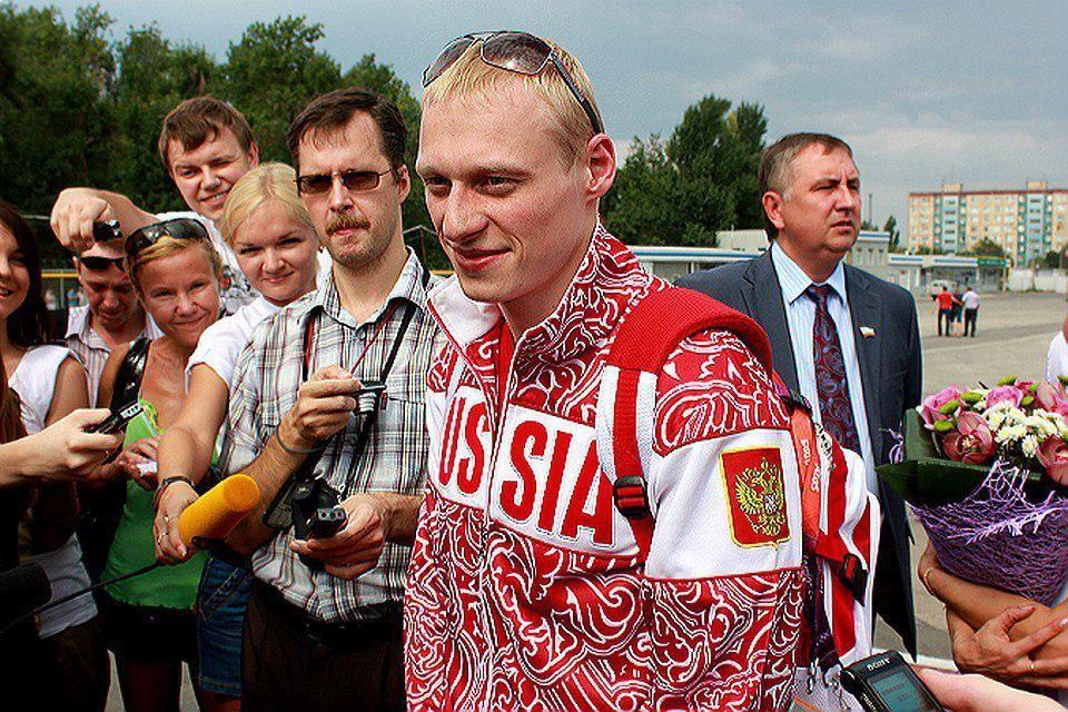 Илья Захаров после победы на Олимпиаде в 2012 году