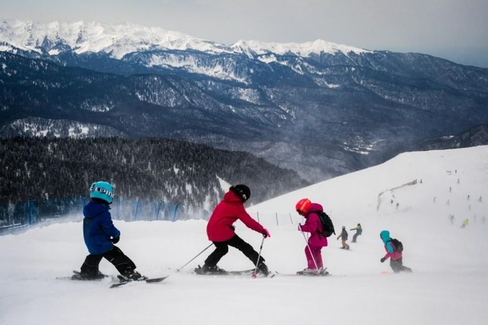 Горные лыжи - отличный семейный отдых!