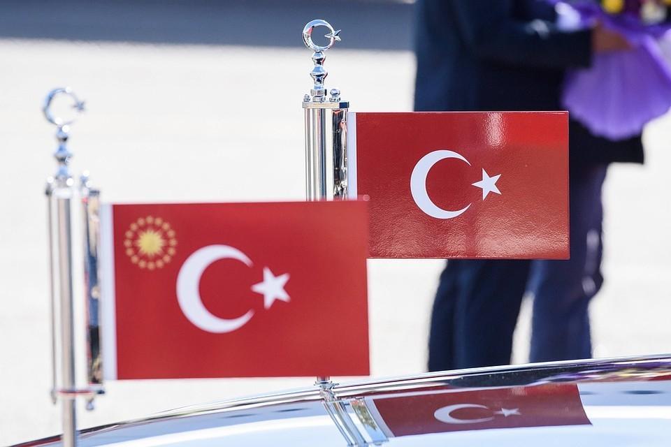Кипр де-факто разделен между греческой и турецкой общинами