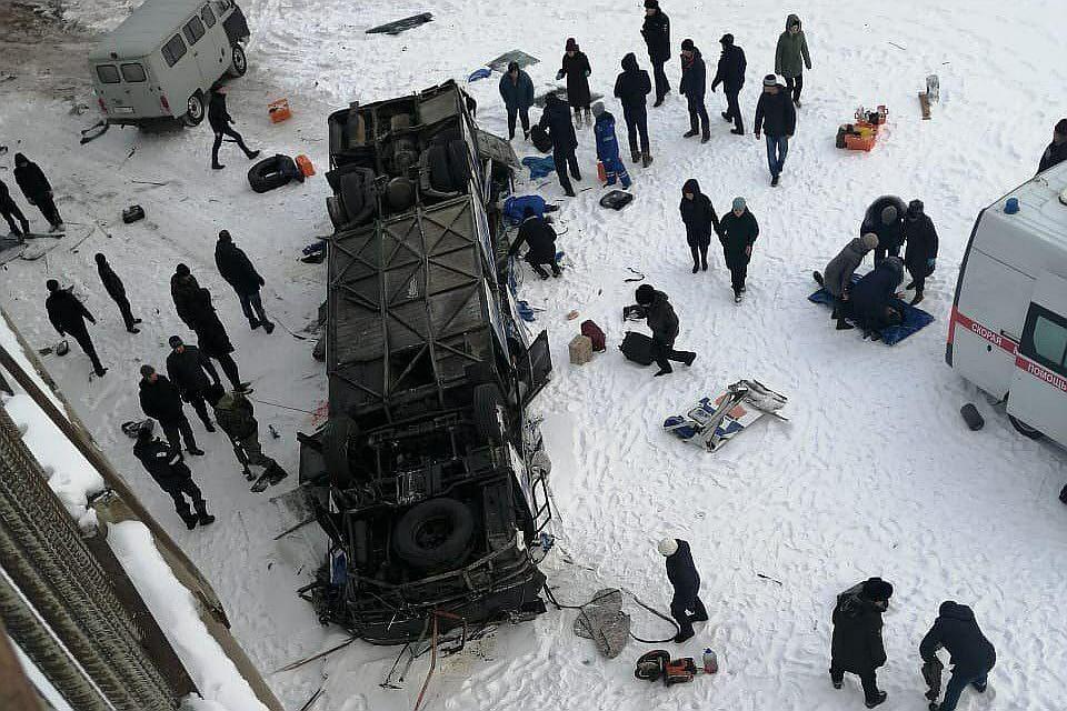 Появилась информация о водителе автобуса, упавшего в реку в Забайкалье