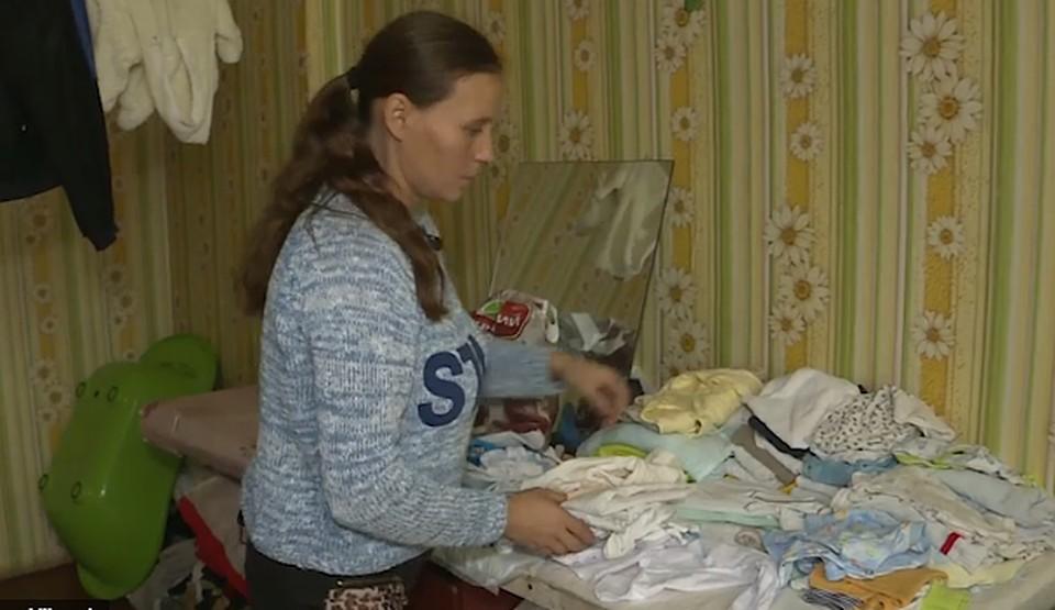 25 тысяч леев превратились в 100 тысяч: в Молдове мать троих детей, набравшей кредитов, могут посадить, а детей отнять