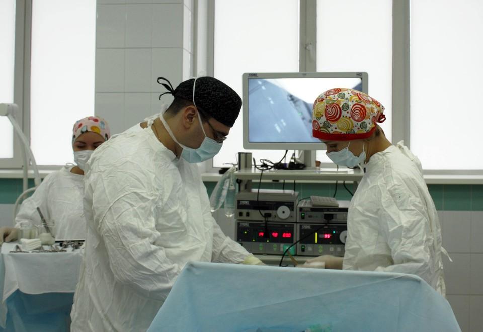 Красноярские хирурги вернули бесплодной женщине шанс стать мамой. Фото: пресс-служба министерства здравоохранения края.