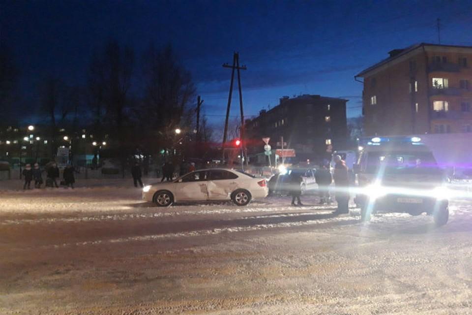 В аварии в Иркутской области пострадали мама и 5-летняя девочка.