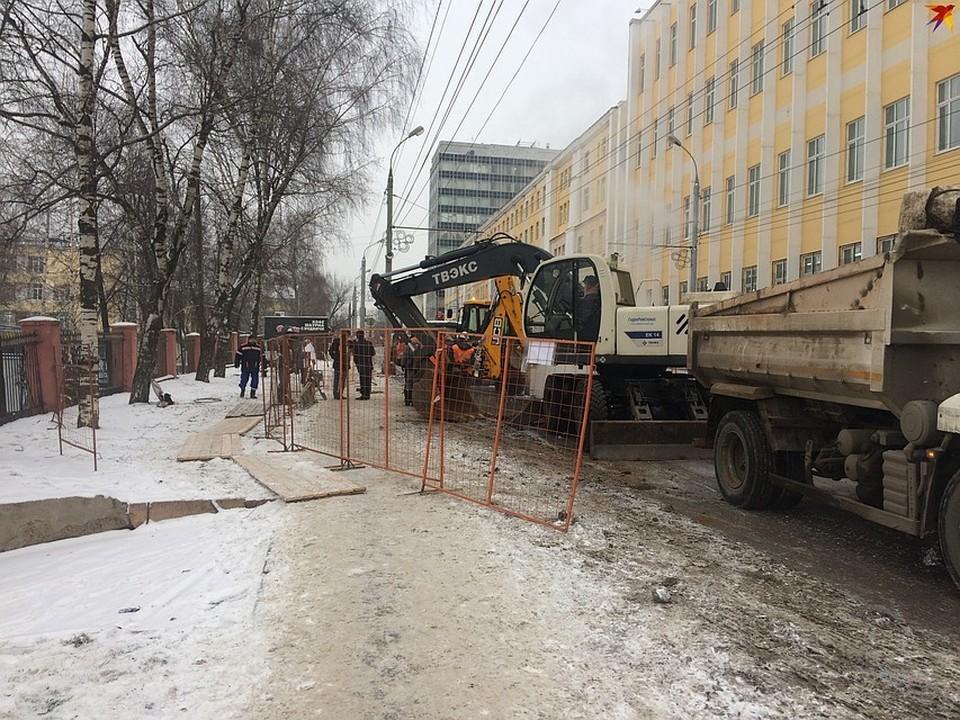 Из-за порыва перекрыли движение по улице М. Горького
