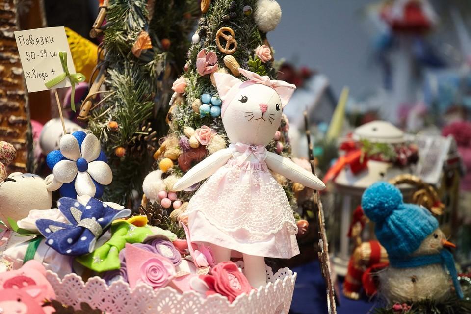В центре Пскова подарки для близких можно будет приобрести на трех площадках.