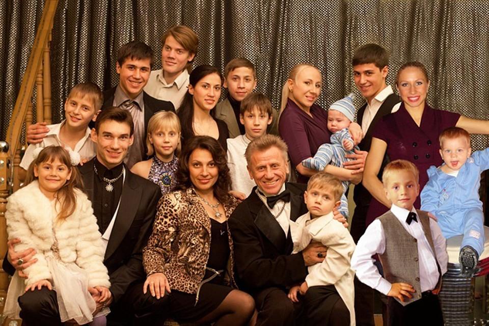 В большой семье Диво уже 14 детей и 10 внуков. Фото: семейный архив