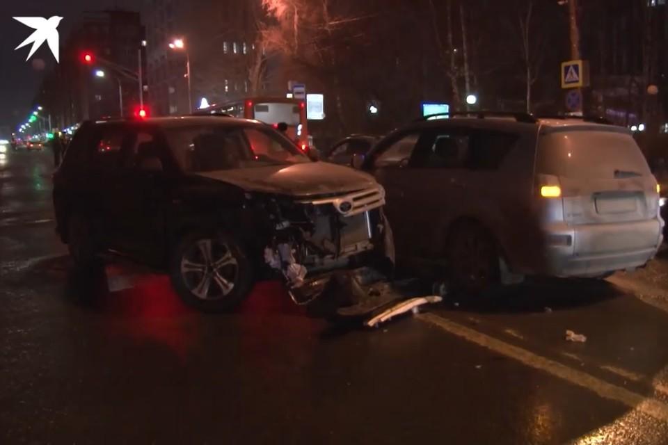 Смертельная авария произошла вечером 7 декабря, когда школьники в сопровождении взрослых шли на спектакль в ТЮЗ.