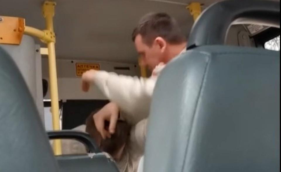 Разъяренных водителей пришлось разнимать пассажирам