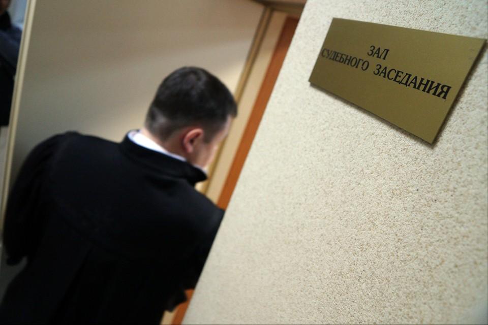 В Мосгорсуде сообщают, что после такой попытка сбежать из «аквариума» нет никакой необходимости снова переоборудовать суды