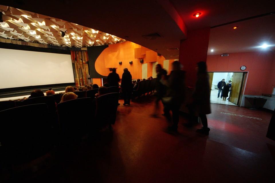 Изначально речь шла о рекламной 20-минутке, но в процессе доработки депутаты решили быть с кинотеатрами построже.
