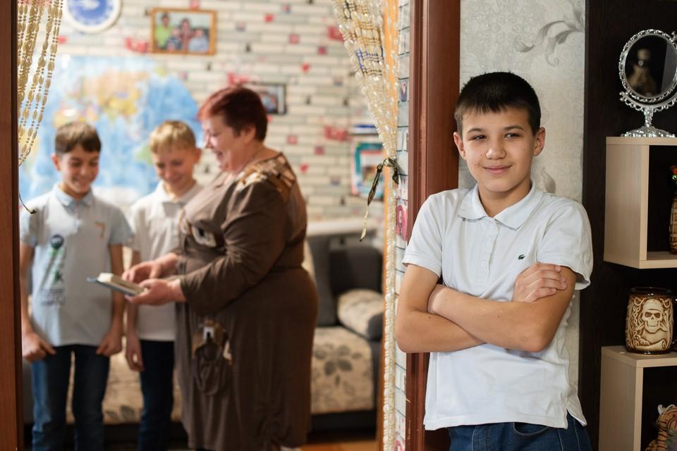 14-летний Рома не хочет возвращаться из приемной семьи к родной матери