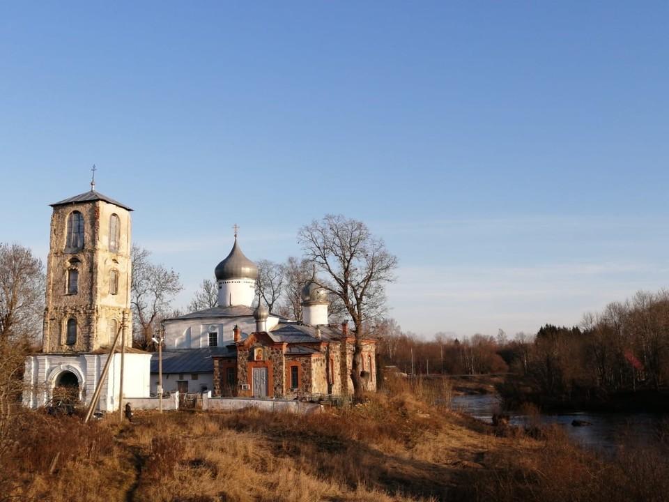 Фото: Подворье Псково-Печерского монастыря.
