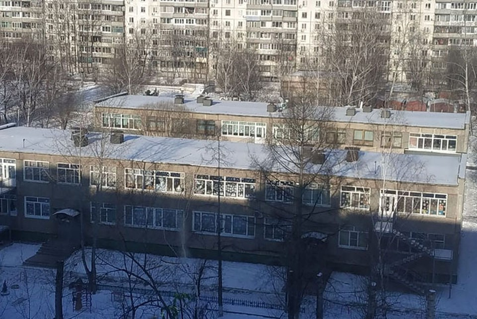 Детей эвакуировали в ближайшие учебные заведения