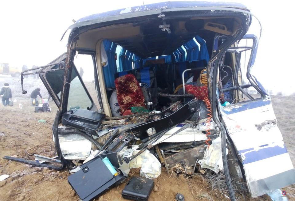 Оба водителя автобуса с травмами в больнице.