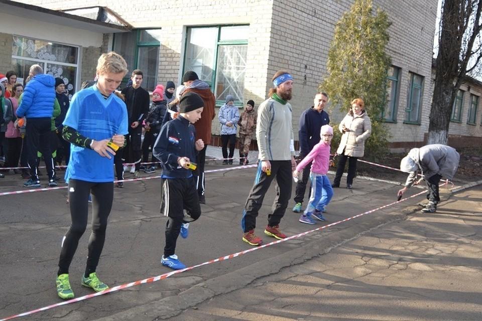 Спортсмены соревновались на дистанции кросс-классика в 13 возрастных категориях. Фото: минспорта ДНР